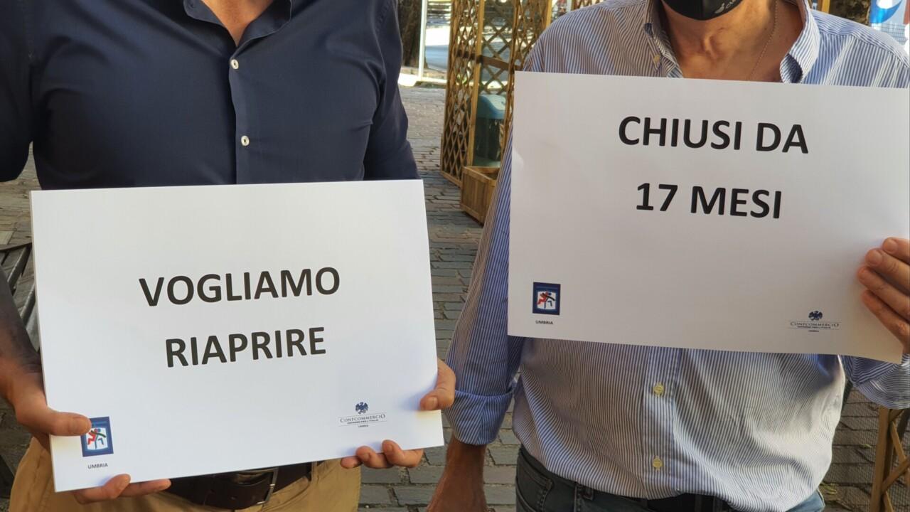 Discoteche riapertura e risarcimento protesta Silb Umbria Confcommercio