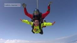 Nonna vlocante si lancia col paracadute (15)