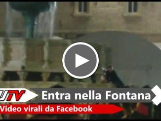 Perugia, entra dentro la Fontana Maggiore e calcia un pallone