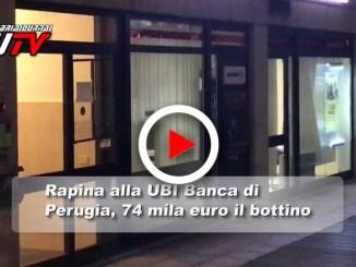 Il video, rapina alla UBI Banca di Perugia, 74 mila euro bottino