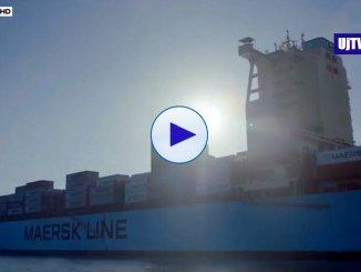 Nave Maersk attracca a Pozzallo in Sicilia, sbarcati 108 migranti profughi