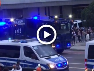 Germania, scontri al corteo neonazista: 20 feriti a Chemnitz