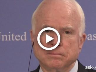 La resa di John McCain: stop alle cure contro il cancro