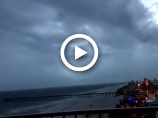 Florida, l'arrivo della tempesta tropicale in timelapse