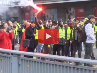 Gilet gialli, oltre 1000 arresti e decine di feriti, video degli scontri