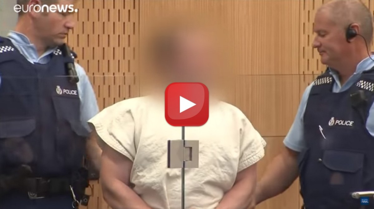 🔴 LIVE - Attacco Nuova Zelanda, video del killer, in tribunale fa saluto suprematista