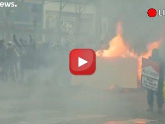 Saccheggiamenti e feriti nel 18° atto di protesta dei Gilet gialli video