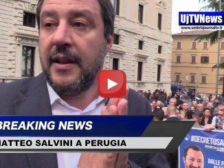 Matteo Salvini a Perugia, bagno di folla in piazza Italia per il ministro