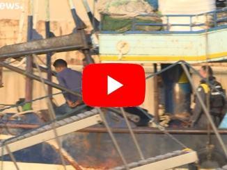 Italia: così gli scafisti scaricano i migranti a Lampedusa