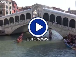 La Regata Storica di Venezia, in lutto per il moto ondoso
