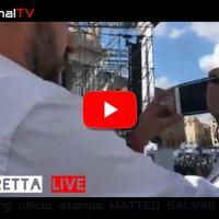 Matteo Salvini è arrivato in piazza San Giovanni a Roma, pienone