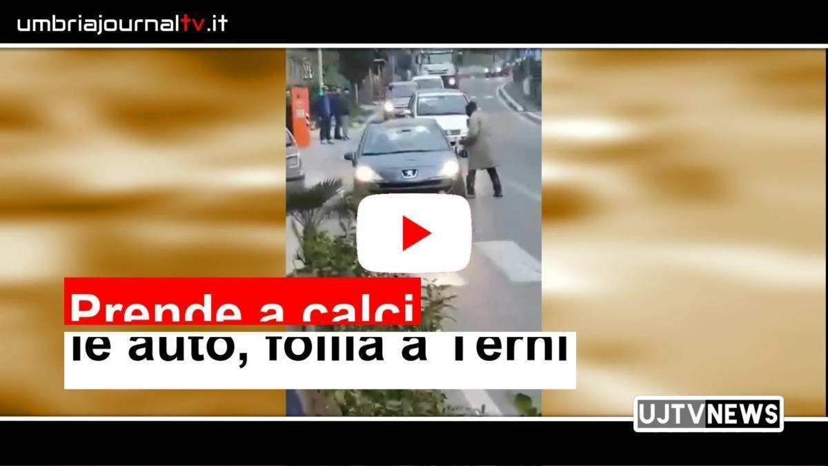 Follia a Terni, straniero prende a calci le auto a Campomicciolo, da Facebook Lega Terni