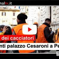 Protesta cacciatori davanti palazzo Cesaroni a Perugia e in aula