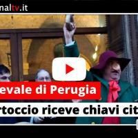 A Perugia è tempo di Carnevale, il Bartoccio riceve le chiavi della città