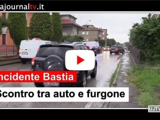 Furgone contro auto, incidente a Bastia Umbra, due feriti