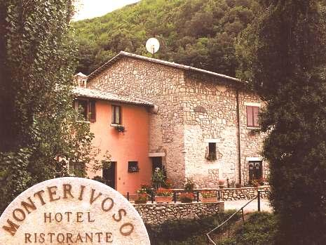 Ferentillo Hotel Monterivoso Ferentillo Hotel Monterivoso Terni freeclimbing rock faces in