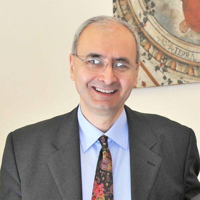 Marcello Signorelli. professore di Politica Economica all'Università di Perugia