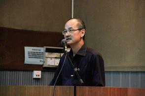 马大中文系高级讲师郑庭河博士致辞。