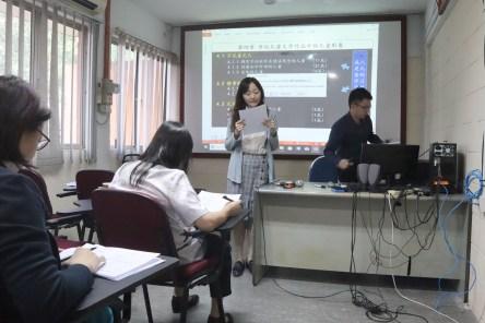 马大中文系高级讲师蔡晓玲博士担任主持人。