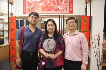 谢静国助理教授及沈惠如副教授与研究员谢依伦合照留念。