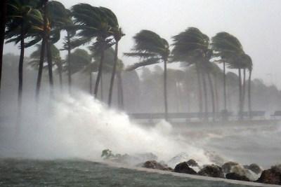 Yasa Cyclone Hit in West Bengal