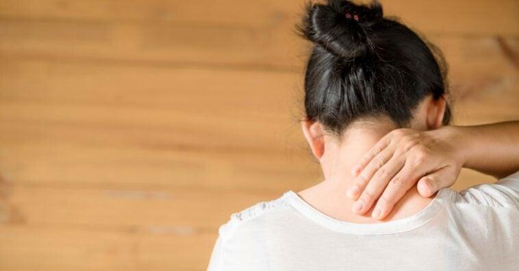 Dor de cabeça na nuca: saiba o que pode ser e o que fazer