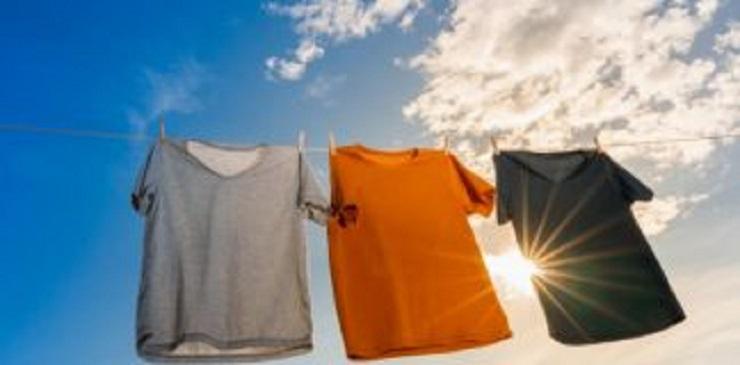 Veja porque não se deve deixar a roupa durante muito tempo no varal?