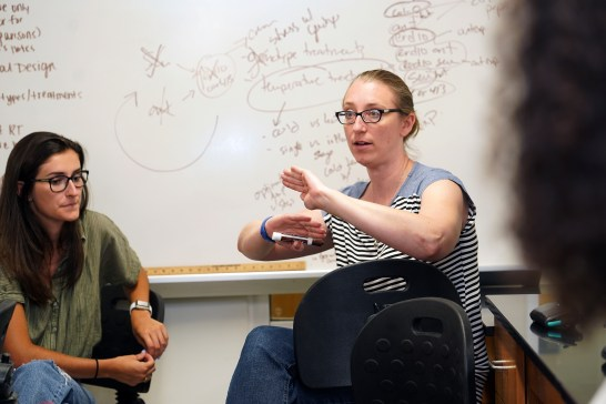 UMW Professor of Biology April Wynn leads class during the Early Active Stem Experience. The five-week session launches Jepson Scholars into research projects and rich experiences in the lab - at Mary Washington and beyond. Photo by Suzanne Carr Rossi.