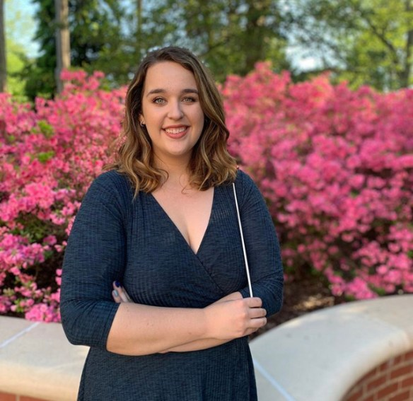 2020 graduate Ashley Czzowitz poses on the UMW campus. Photo courtesy of Lyndsey Czzowitz.