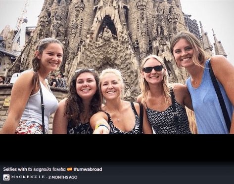 Students in front of Sagrada Familia