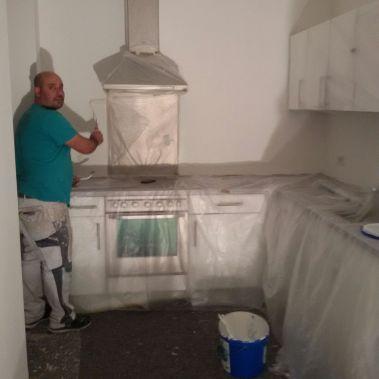 Einbauküche geschützt vor dem Streichen