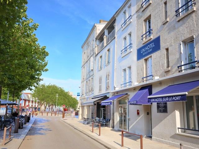 Un Hôtel sur Le Port - La Rochelle - Facade