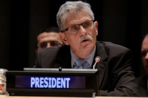 Mogens Lykketoft at the briefing on the outcome of COP21 and the HLTD on achieving the SDGs in April 2016