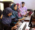 Estudiantes de ciencias computacionales en Pakistán. Foto de archivo: Visual News Associates/Banco Mundial