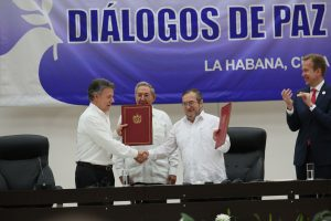 Partial signing of Colombian peace agreement in La Habana, Cuba