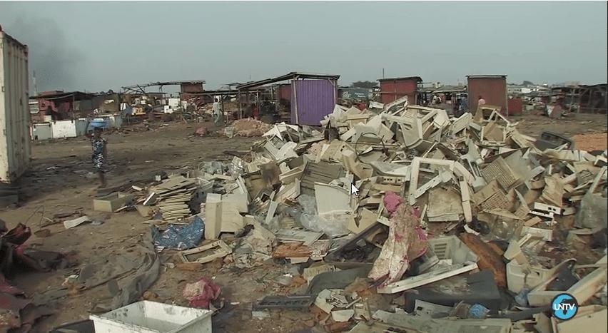 غانا: المقبرة الرقمية