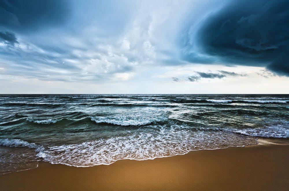 المحيطات تؤخر بعض آثار تغير المناخ من خلال امتصاص الكثير من الحرارة الناجمة عن غازات الاحتباس الحراري. من صور: المنظمة العالمية للأرصاد الجوية/أولغا خورشونوفا.