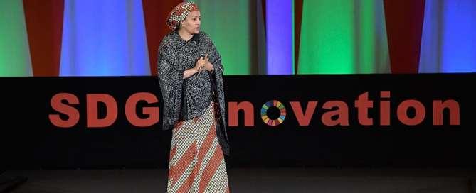 La vicesecretaria general, Amina Mohammed, se dirige a la Asamblea General durate el evento alto nivel sobre ODS e innovación y conectividad. Foto: ONU/Evan Schneider