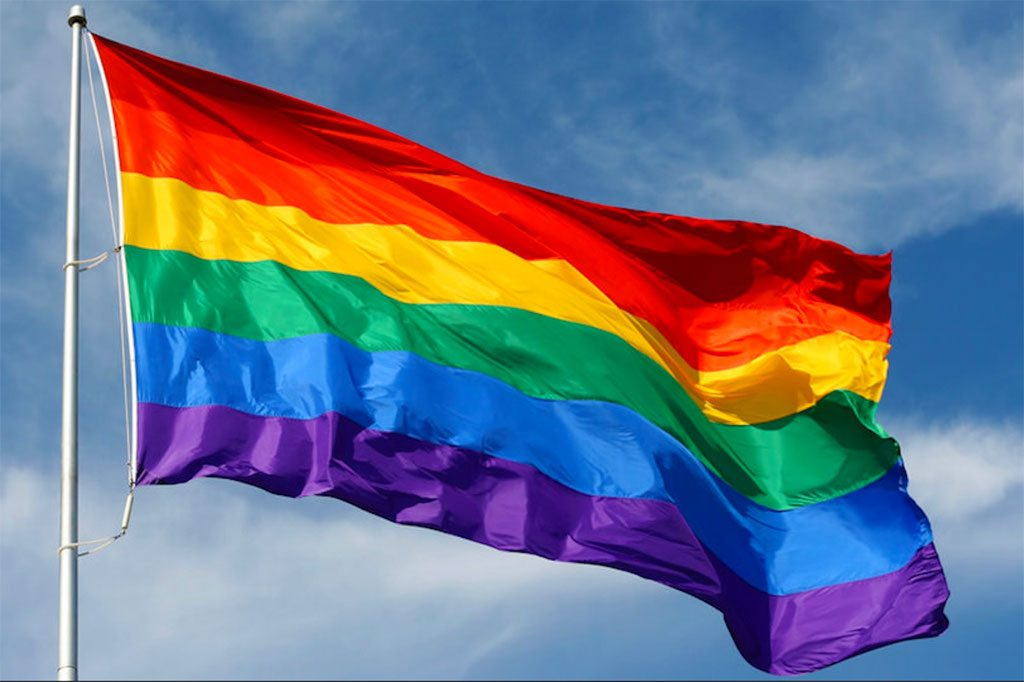 Bandera de la comunidad LGBTI. Foto: OIT
