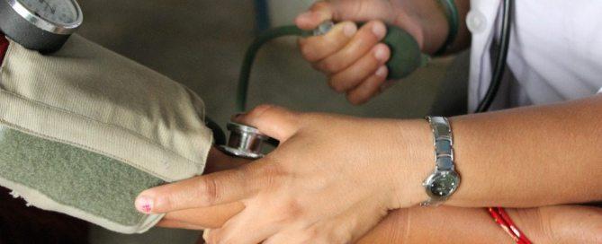La cobertura universal de salud es un pilar para el desarrollo sostenible y la seguridad mundial. Foto: Banco Mundial