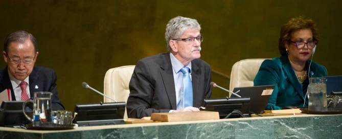 Photo: Mogens Lykketoft (centre), President of the seventieth session of the General Assembly, chairs the high-level meeting of the General Assembly on the overall review of the implementation of the outcomes of the World Summit on the Information Society (WSIS). He is flanked by Secretary-General Ban Ki-moon (left) and Catherine Pollard, Under-Secretary-General for General Assembly and Conference Management.