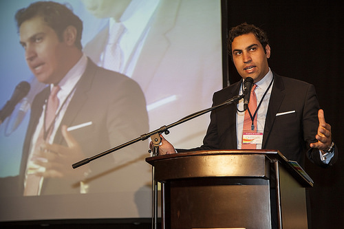Ahmad Alhendawi addressing the Regional Forum.