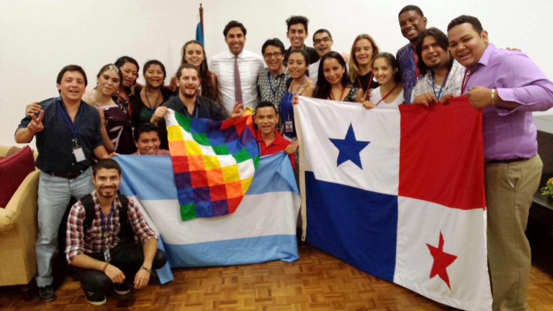 UN Youth Envoy with youth from the LAC region.