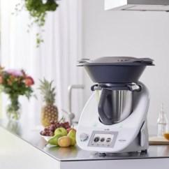 Bimby Kitchen Robot Custom Countertops Il Mensile Compie 25 Anni Unadonna L Inimitabile Da Cucina Multifunzione Che Rivoluzionera Tuo Modo Di Cucinare
