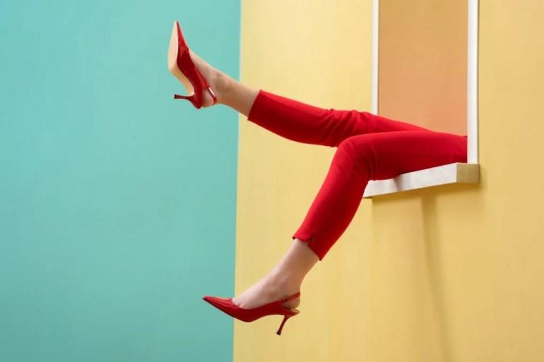 La rivincita delle scarpe basse: il tacco midi