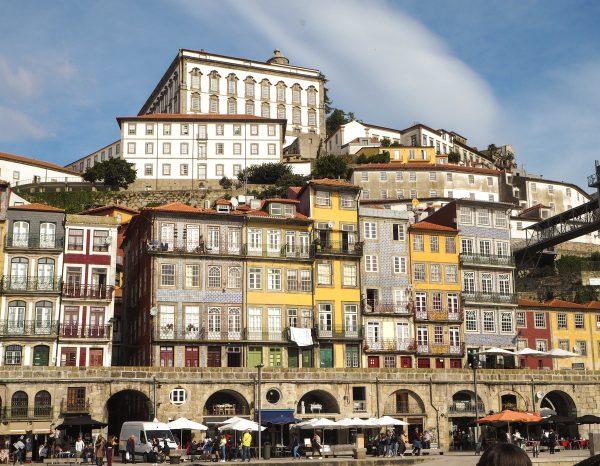 Quartiere Ribeira visto dal porto
