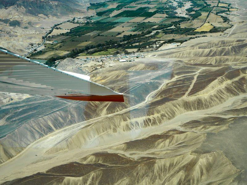 Sorvolo geoglifi peruviani