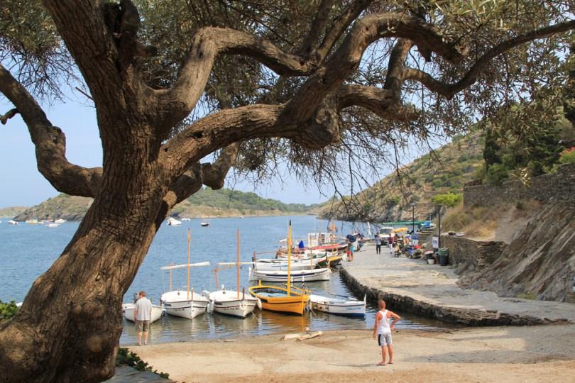 Portlligat, la spiaggetta e le barche