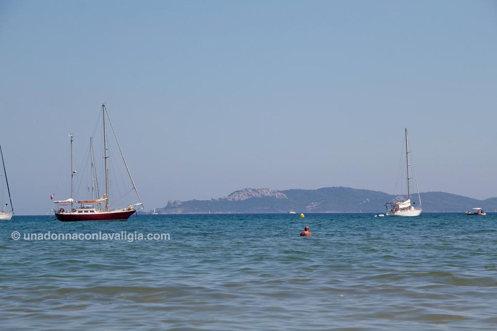 Le Isole Porquerolle viste dalla spiaggia della Presquile de Giens