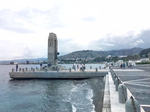 Lungomare Falcomatà - Monumento a Vittorio Emanuele